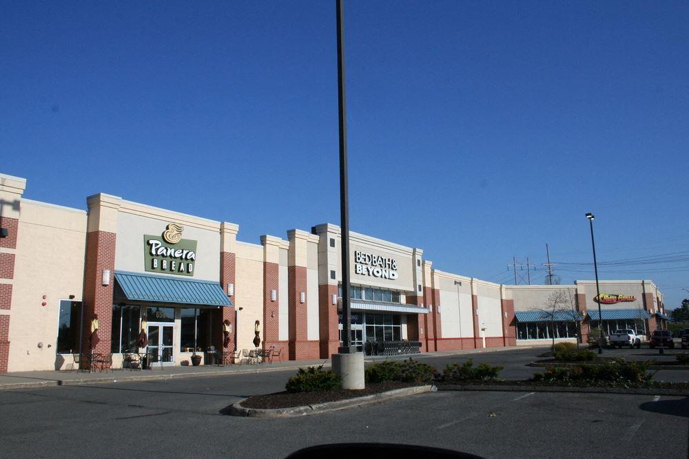 Large Shopping Center - National Tenants