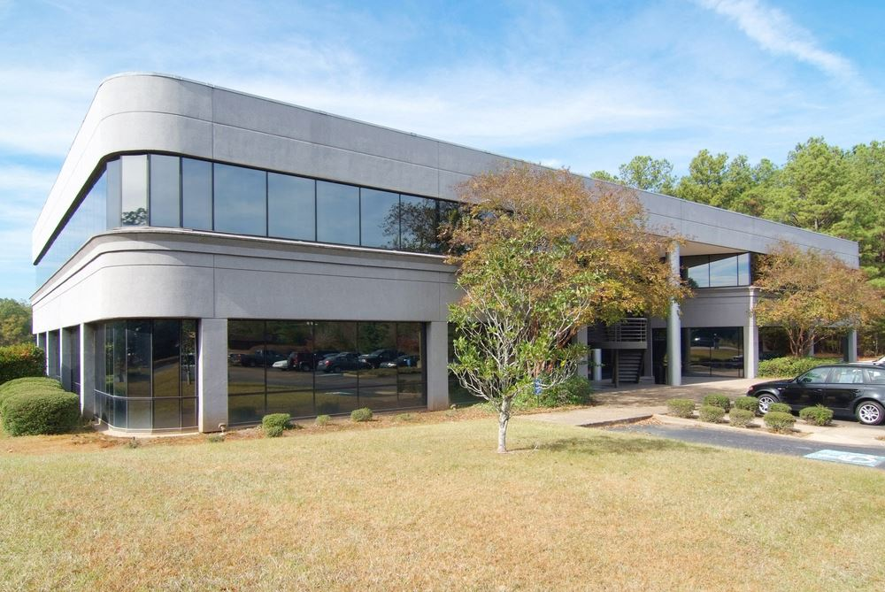 Class A Office Building   Twin Lakes Office Park on the Lake
