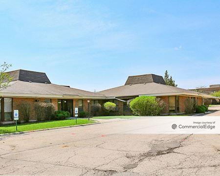 Elgin Oaks Business Center - Elgin
