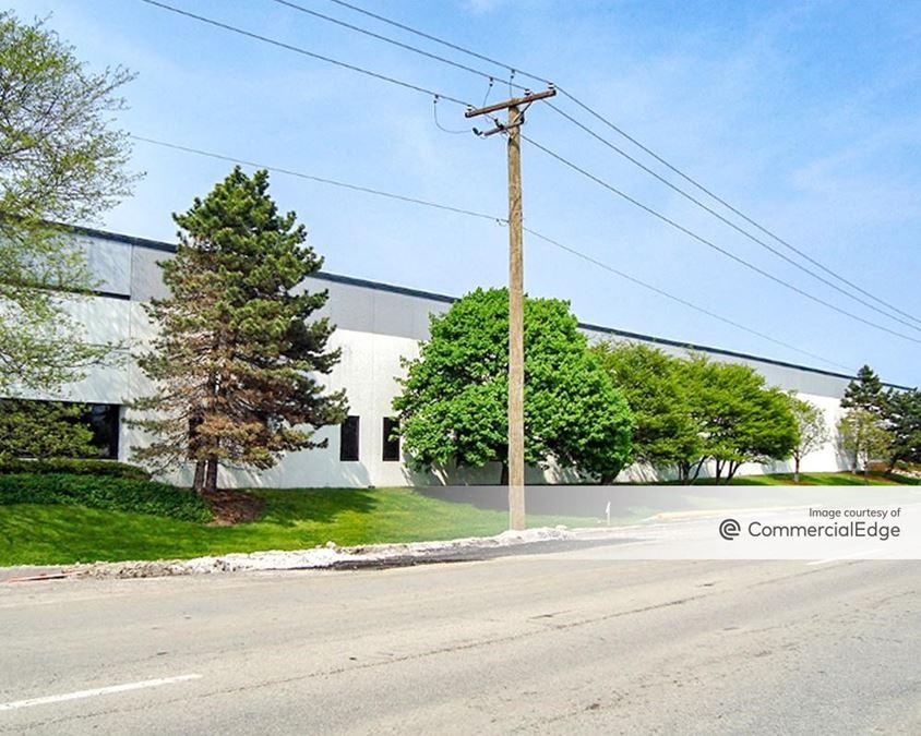 Elk Grove Industrial Park - 131-199 East Thorndale Avenue