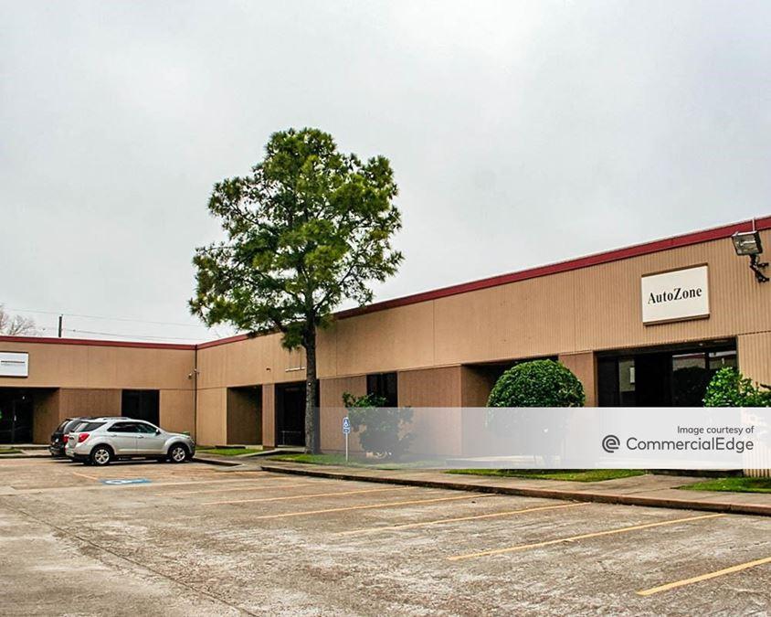 301-305 Wells Fargo Drive