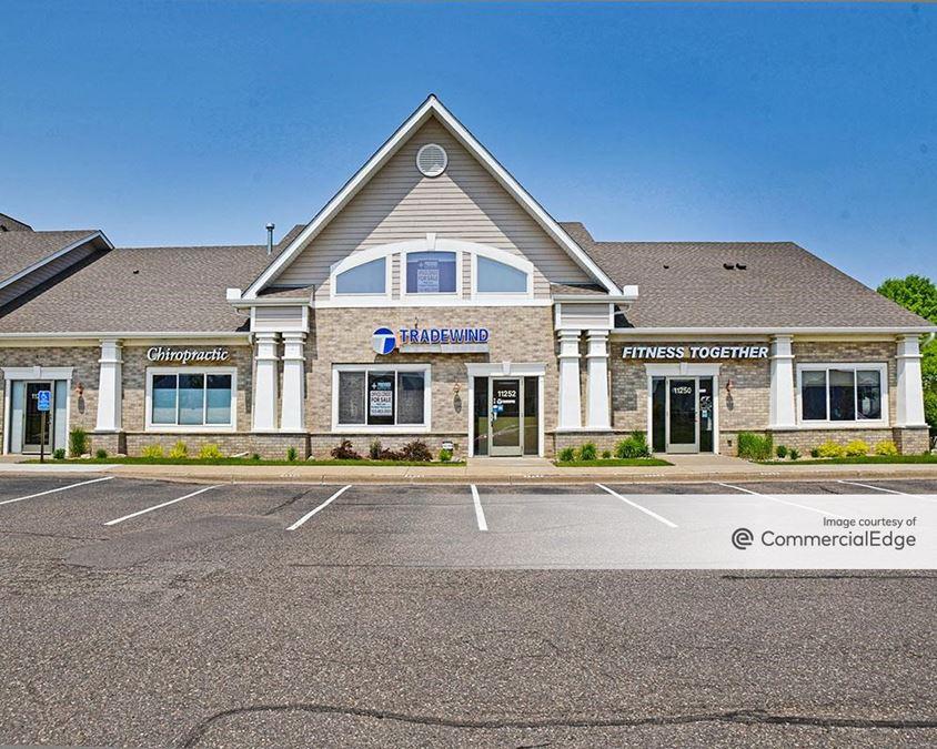 Weaver Lake Town Office Park