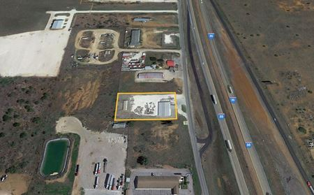 Industrial Office/Warehouse with Yard For Sale in Dilley Texas - Dilley