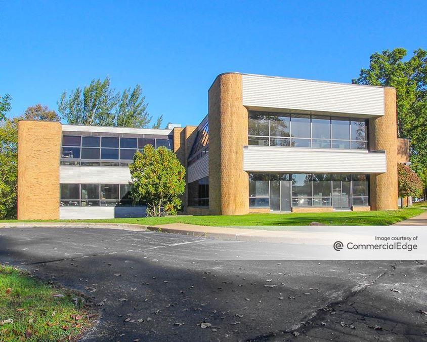 Trestlebridge Office Center