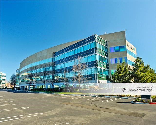 Dublin Corporate Center - 4140 Dublin Blvd