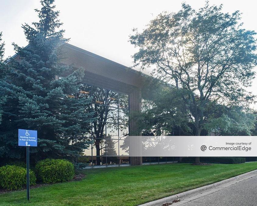 Bridge Pointe Office Park - 3900 Sparks Drive SE
