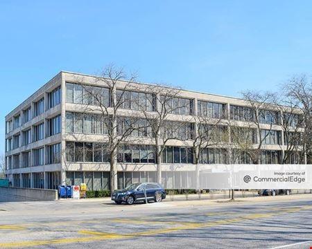 Wi-Fi Executive Building at The Fairway - Skokie
