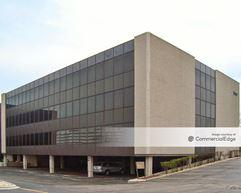 The Corporate Center - Oak Brook