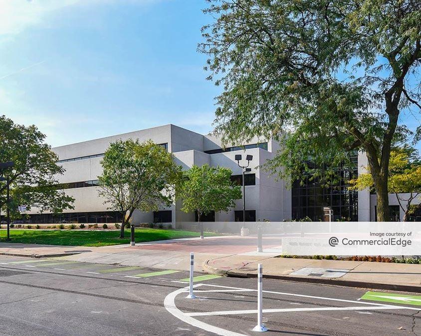 East Grand Office Park - 100 East Grand Avenue