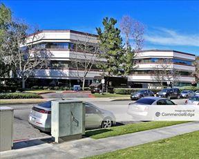Warner Gateway I - Woodland Hills