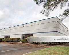 Kempwood Tech Center - 2704-2778 Bingle Road - Houston