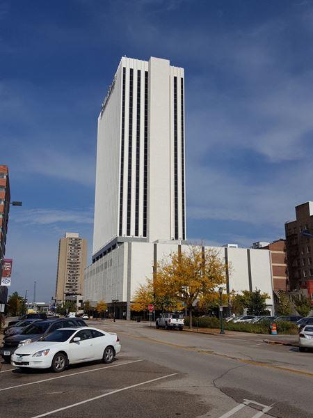 Alliant Energy Tower - Cedar Rapids