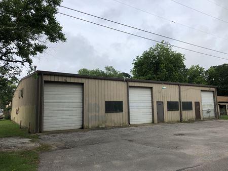 4,500sf/12,108sf lot Industrial Warehouse - Former Machine Shop - Alvin