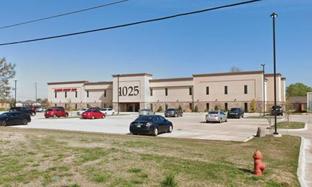 35,000± SF Well-Located, Multi-Tenant Medical Office Building - Moore