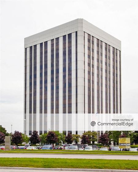 900 Tower Drive - Troy