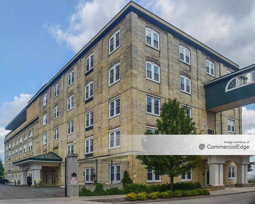John Widdicomb Building - 601 5th Street NW