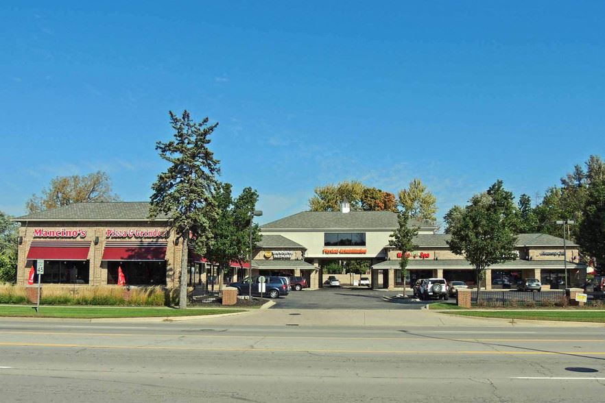 Twin Oaks Plaza