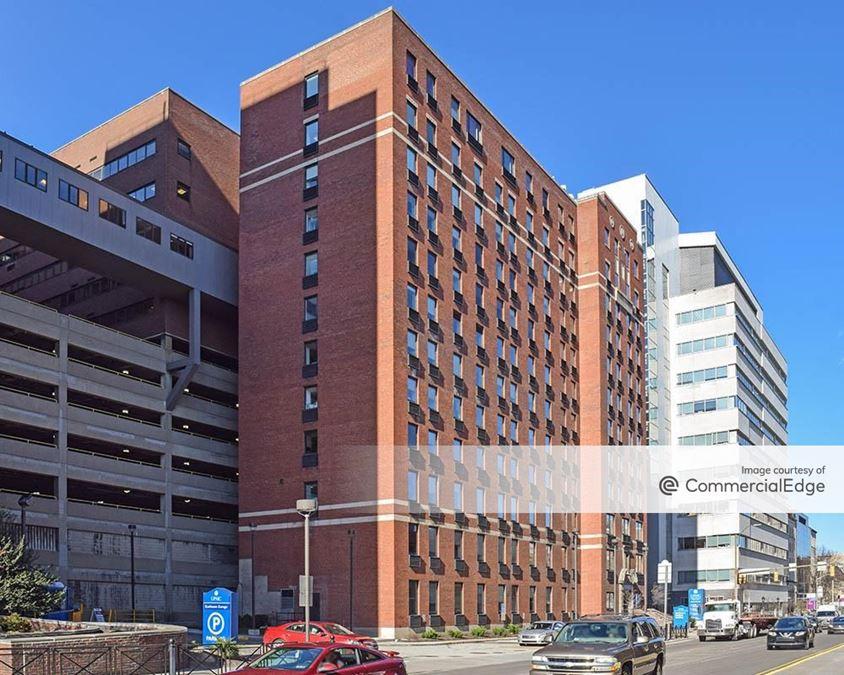 UPMC Oakland Campus - Kaufmann Medical Building