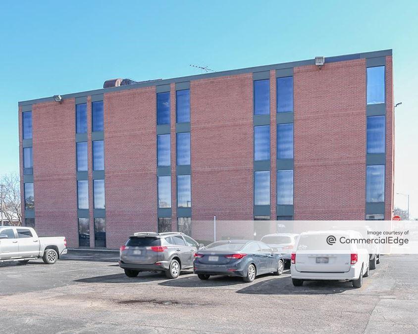 Premier Office Center - 605 East Algonquin Road