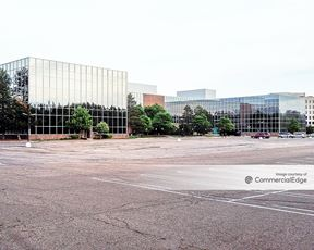 Onyx Office Plaza