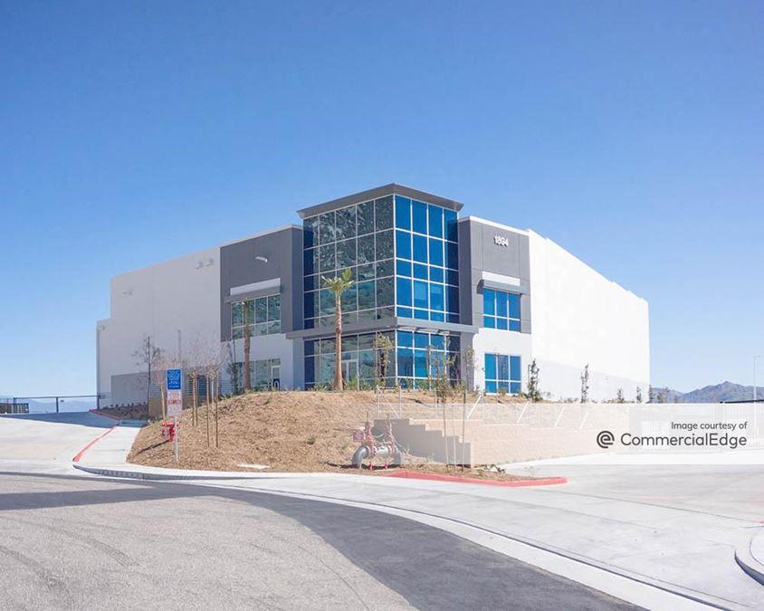 Caterpillar Industrial Park - Building 7