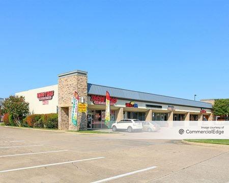 Parkwood Village Shopping Center - Hurst