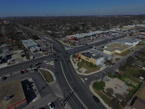 1354 Basse Rd - San Antonio