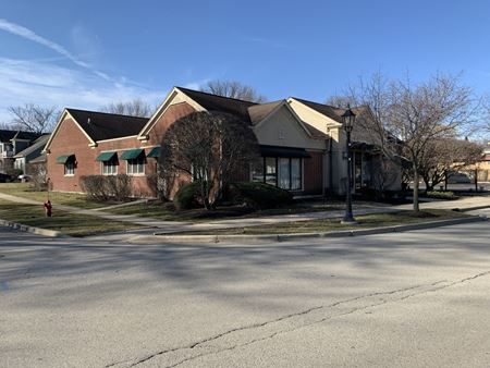 Retail / Office Building For Sale - Bartlett