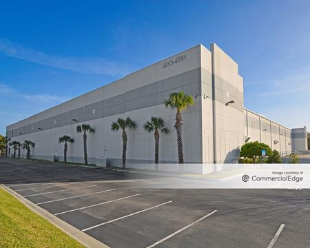 Interstate Business Park - 4543-4561 Oak Fair Blvd - Tampa