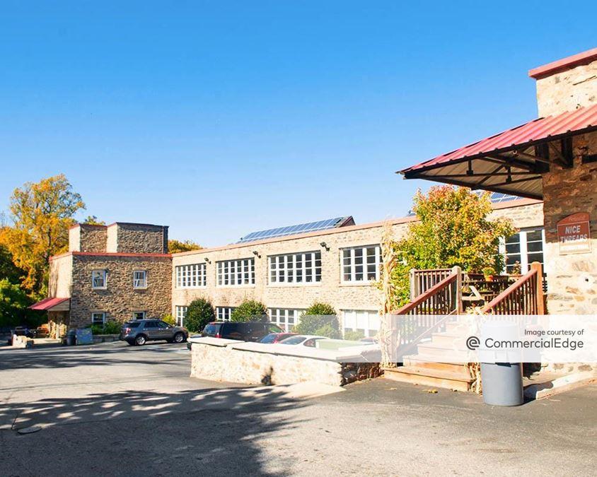 Rockbourne Falls Business Center