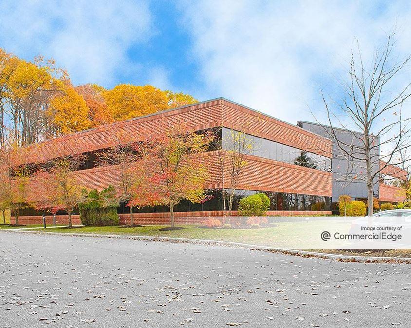 Airport Park - 9 Cornell Road