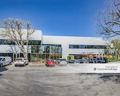 Menlo Business Park - Building 13 - Menlo Park