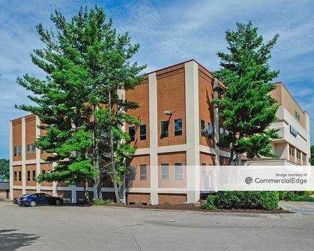 Riverparke Building - Akron