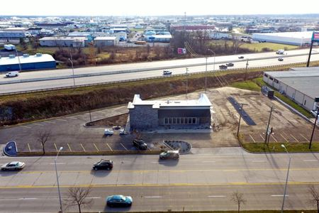 3,883 sq. ft. with high visibility available - Fort Wayne