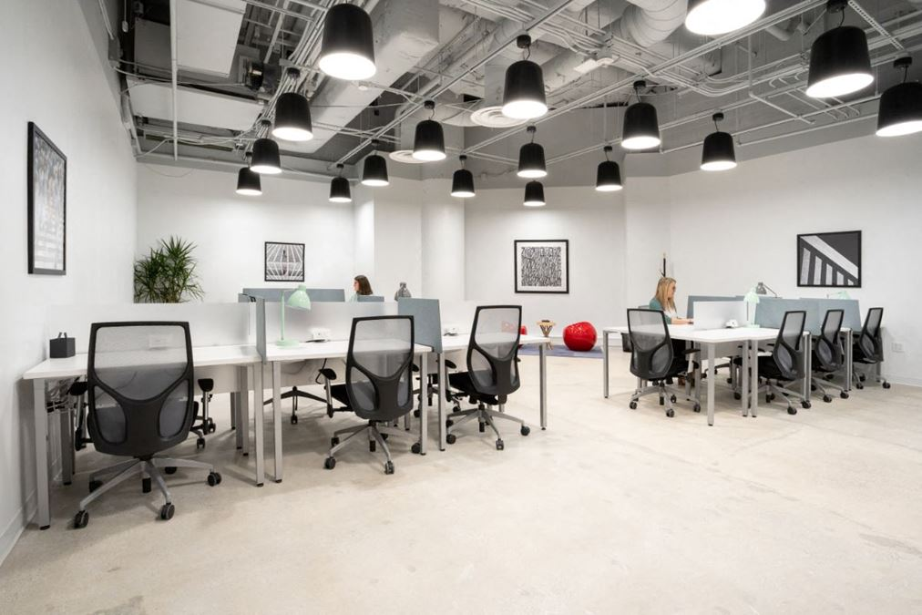 REGUS | Spaces Trade and Tryon