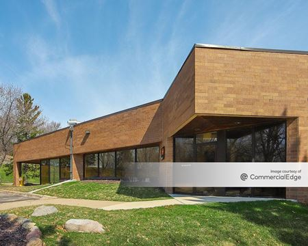 Lakeview Business Center - Eden Prairie