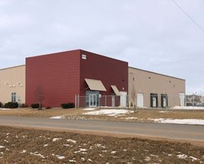 20,460 SF Industrial/Office Building on 2 AC - Watford City