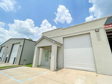 Climate Controlled Office Warehouse near I-12 - Baton Rouge