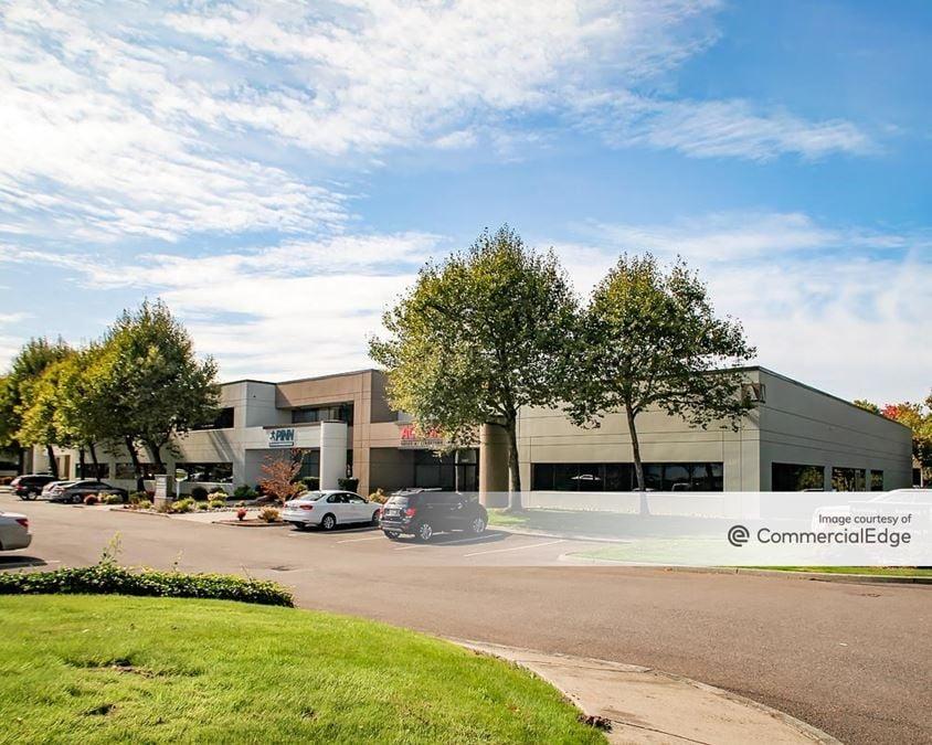 Van Doren's Landing Center - 22407-2435 68th Avenue South & 22404-22614 66th Avenue South