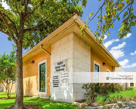 Las Plazas Office Park - San Antonio