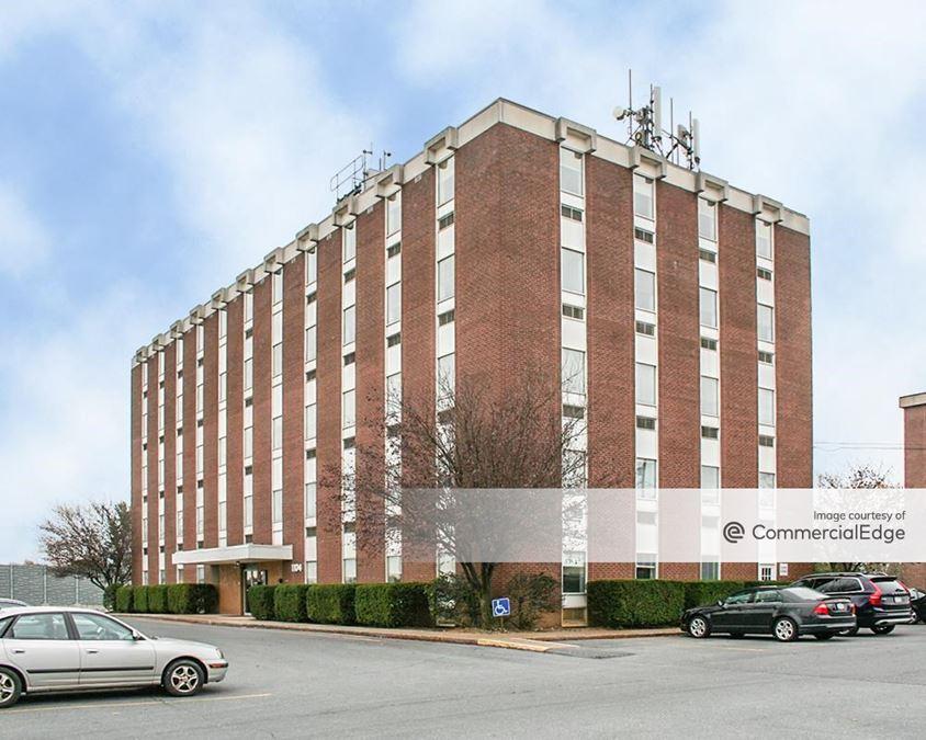 1104 Fernwood Avenue