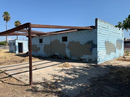 Prime Freestanding Commercial Building on 0.72 Acres - Orange Cove
