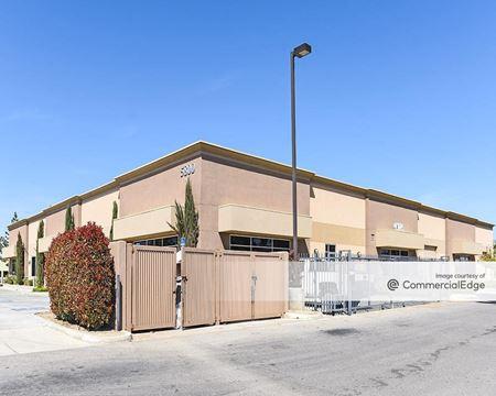 5800 District Blvd - Bakersfield