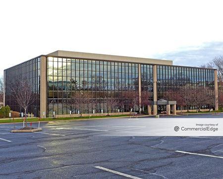 Woodbridge Corporate Plaza - Woodbridge