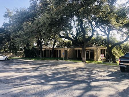 1176 N Business 35 - Office Site - New Braunfels