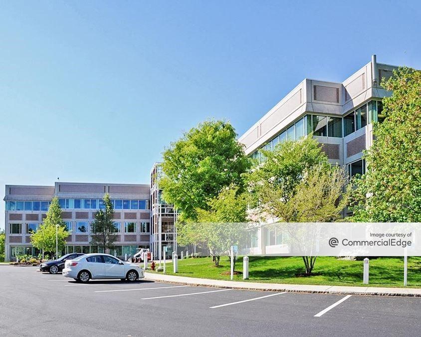 Waltham Woods Corporate Center - 890 Winter Street