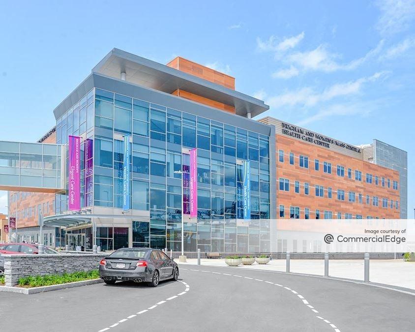Patriot Place - Brigham & Women's/Mass General Health Center