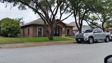 3033 Clairemont Ln - Euless