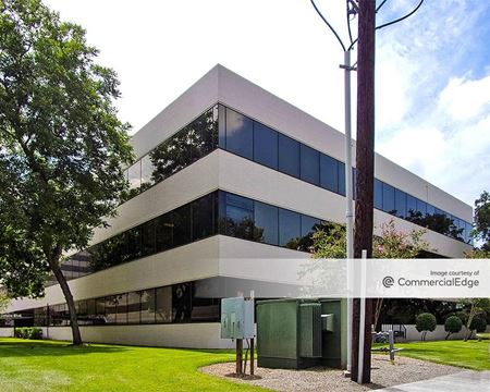 The Offices at Pin Oak Park - 4710 Bellaire Blvd - Bellaire