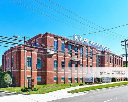 Cotswold Medical Center - Charlotte